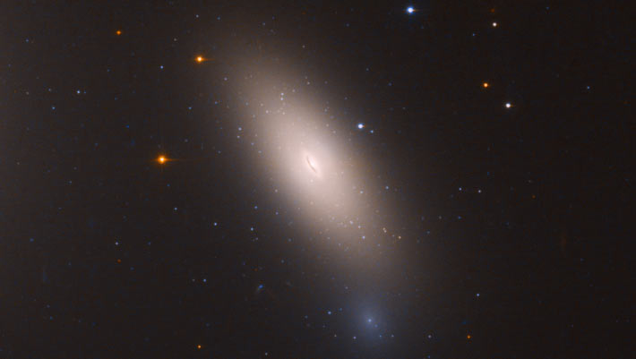 Astronomers Find Relic Galaxy In Milky Way S Backyard