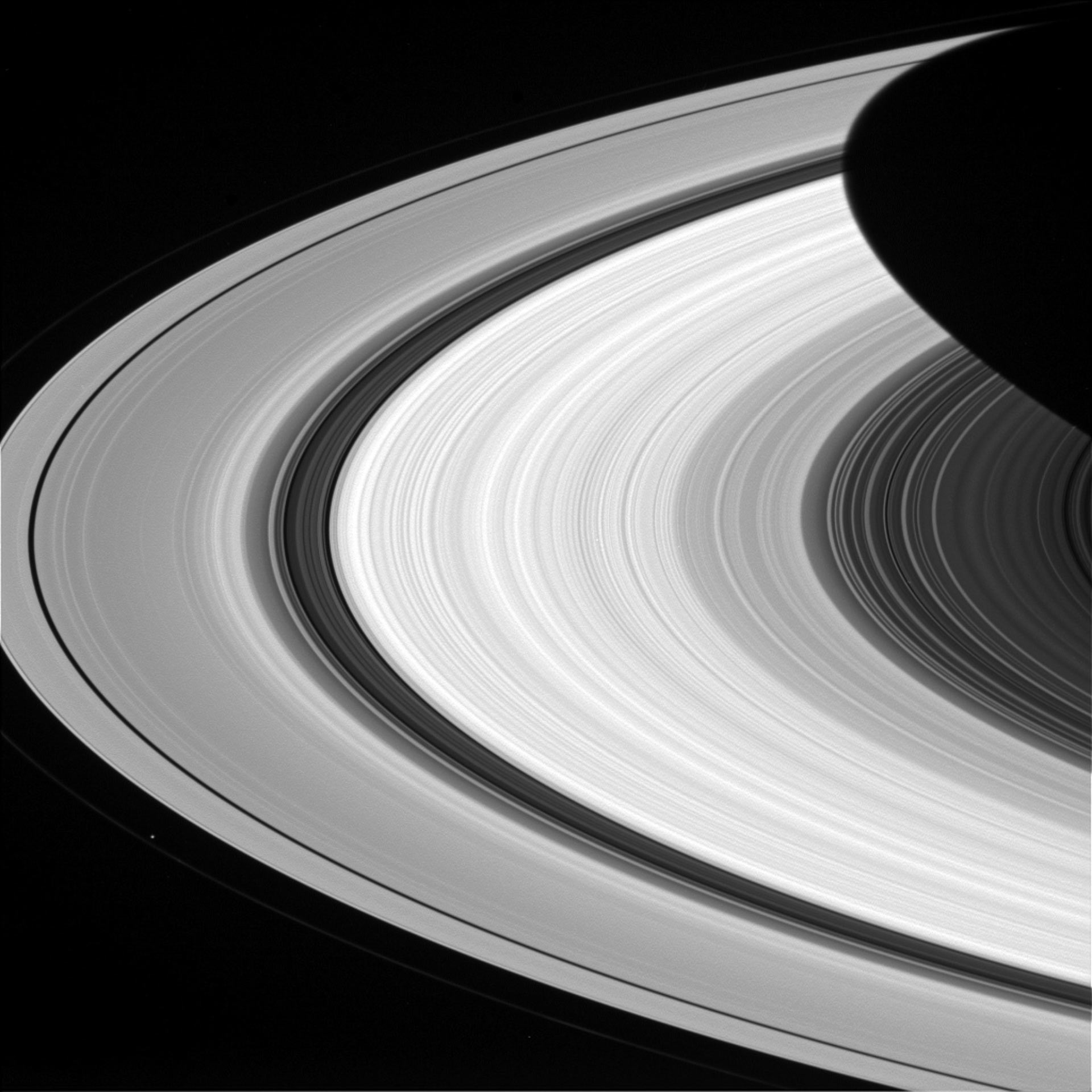 Saturn's Rings Close Up | Space Exploration | Sci-News.com