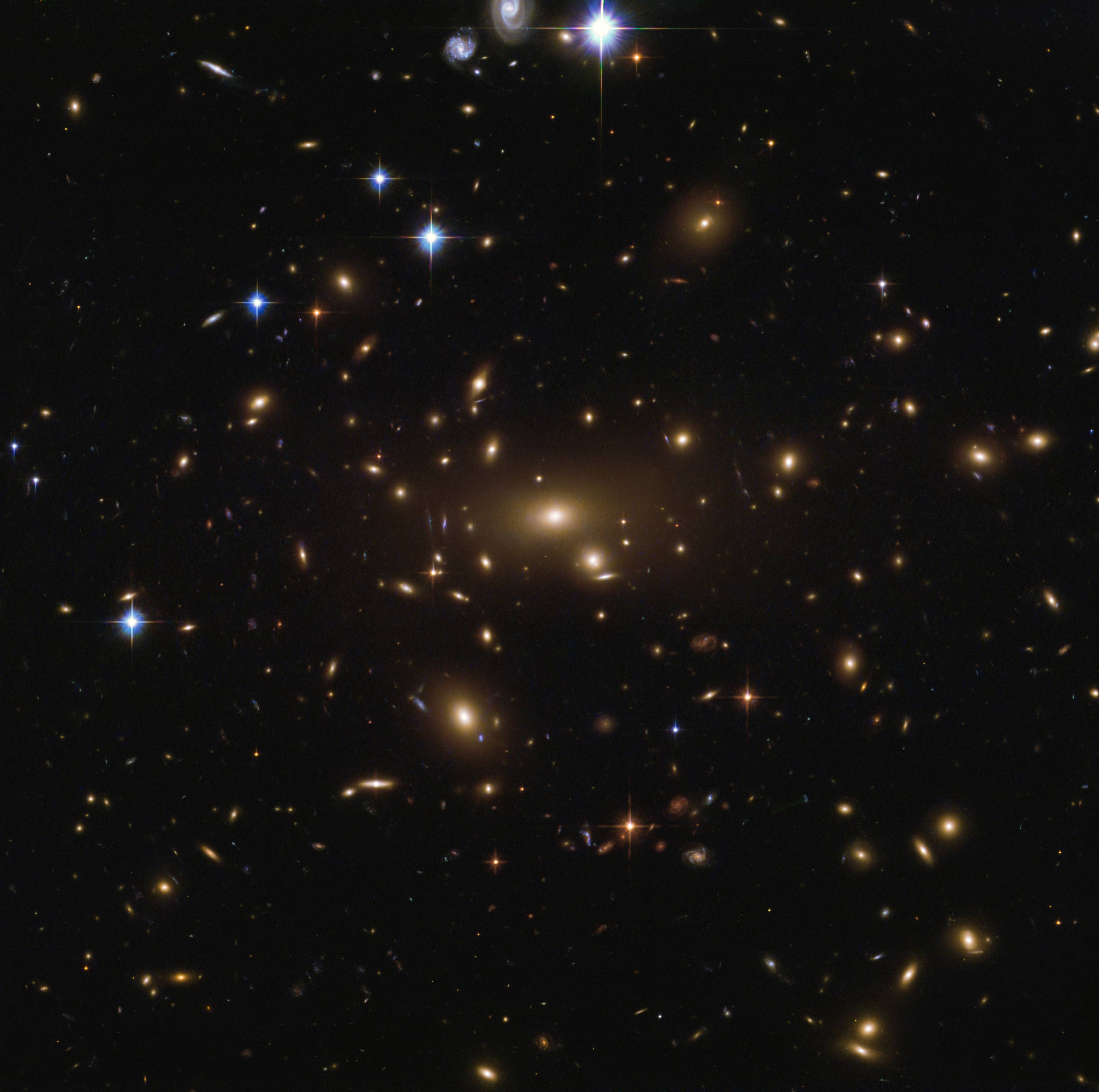 Hubble Space Telescope Sees Rich Galaxy Cluster ...